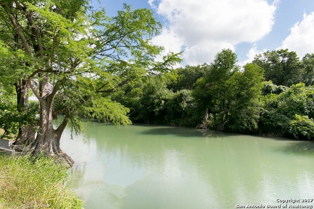 1212 Whispering Water Dr, Spring Branch, TX 78070