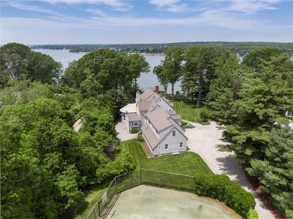 325 Old Sachems Head Road, Guilford, CT 06437