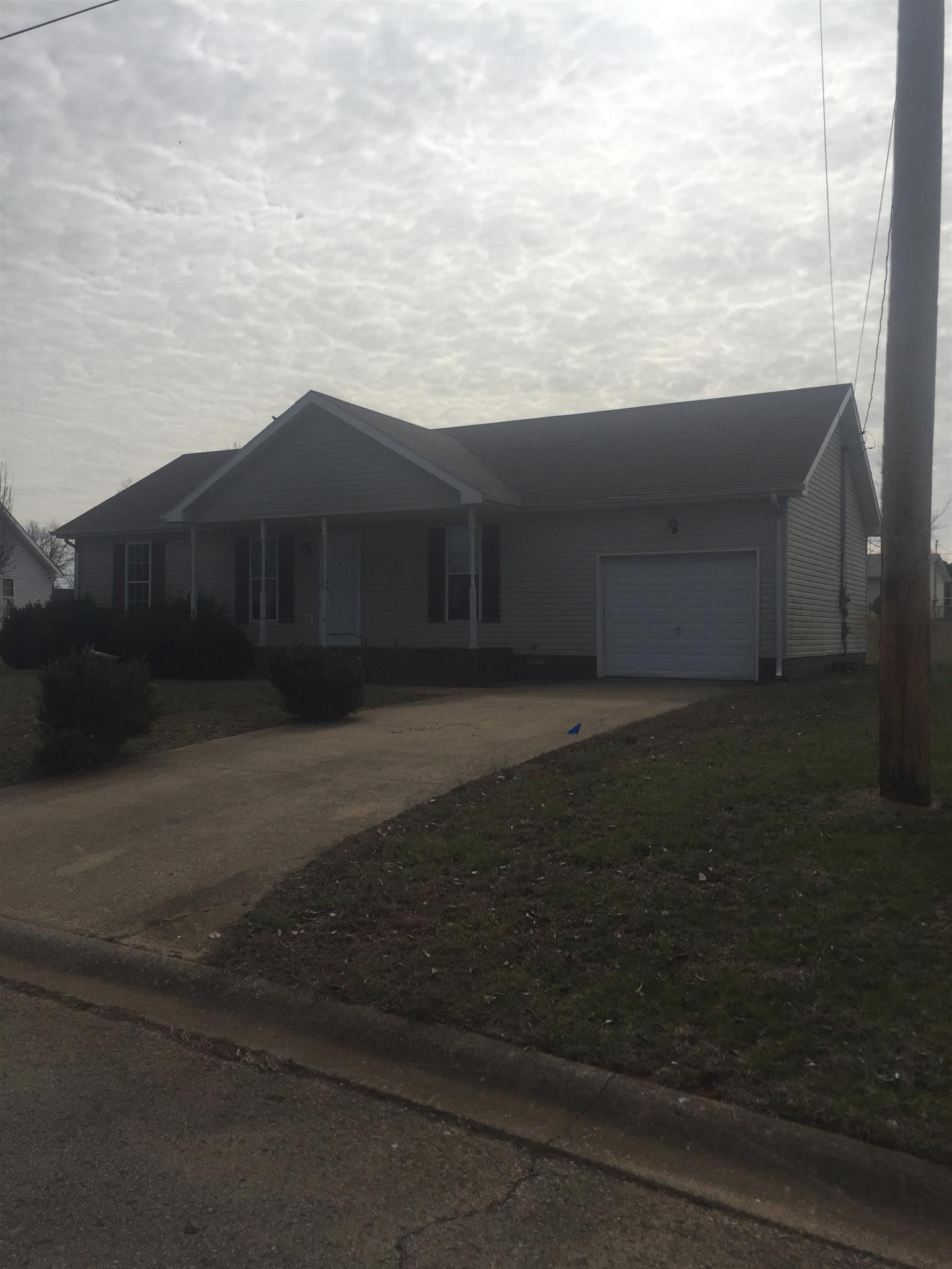 308 Hunter Owens, Oak Grove, KY 42262
