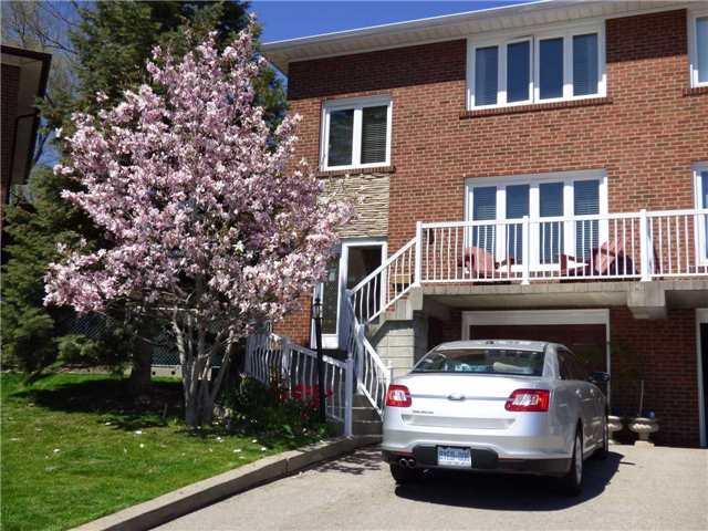 61 Coquette Rd, Toronto, ON M3L 1T1