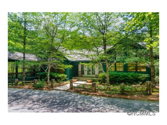 518 Cardinal Drive West MM-2, Lake Toxaway, NC 28747