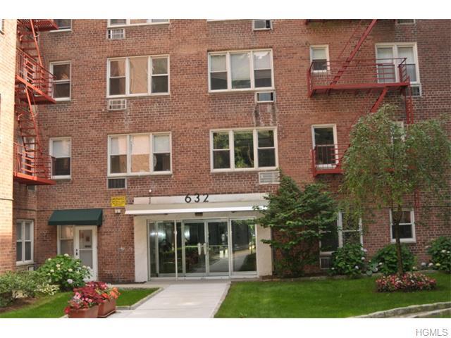 632 Palmer Road 3M, Yonkers, NY 10701