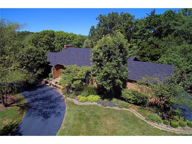 1237 Tammany Lane, Town and Country, MO 63131