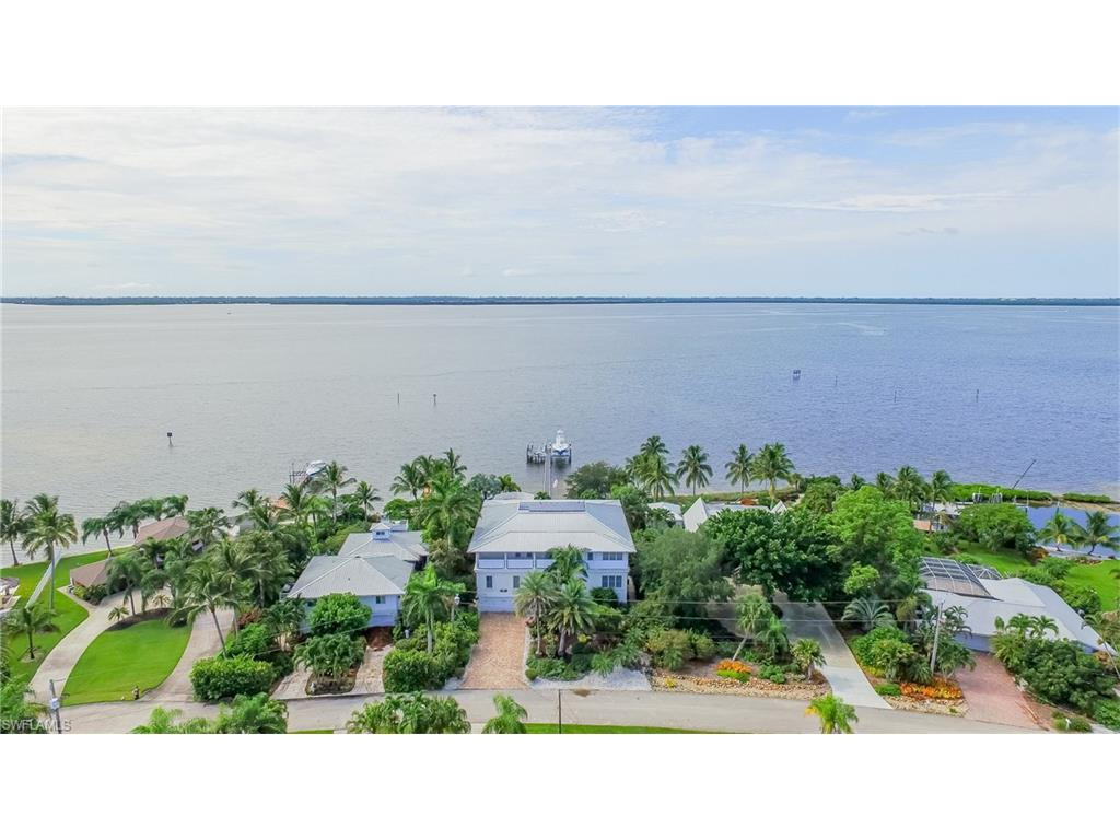 3583 San Carlos DR, ST. JAMES CITY, FL 33956