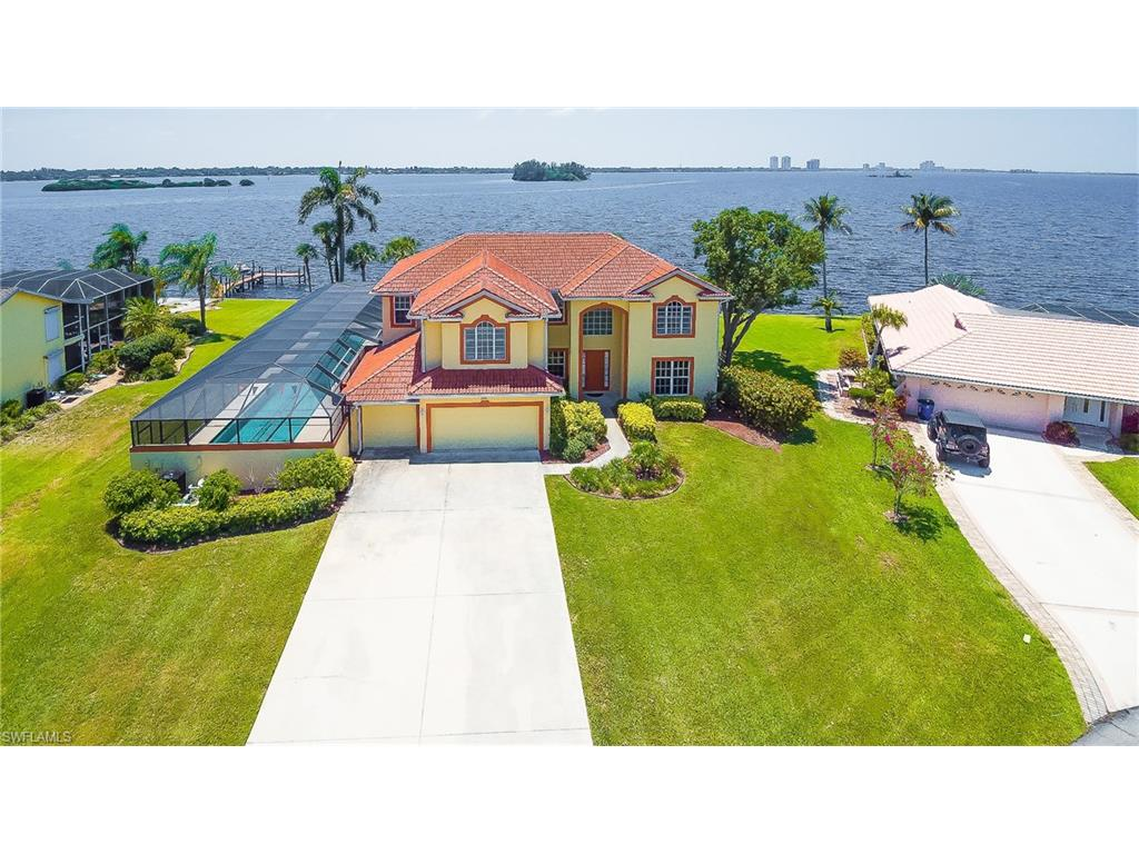 2093 Club House RD, NORTH FORT MYERS, FL 33917