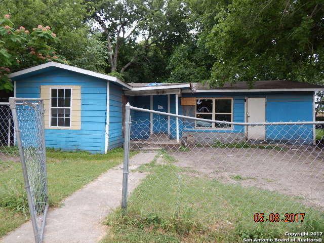 915 ANDERSON ST, Seguin, TX 78155