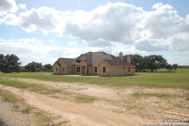 116 westfield crossing, La Vernia, TX 78121