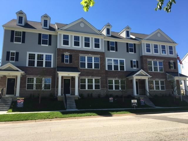 8024 Central Park Drive, Richmond Heights, MO 63117