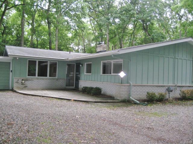1157 CRIPPLE CREEK Lane, Rochester Hills, MI 48306