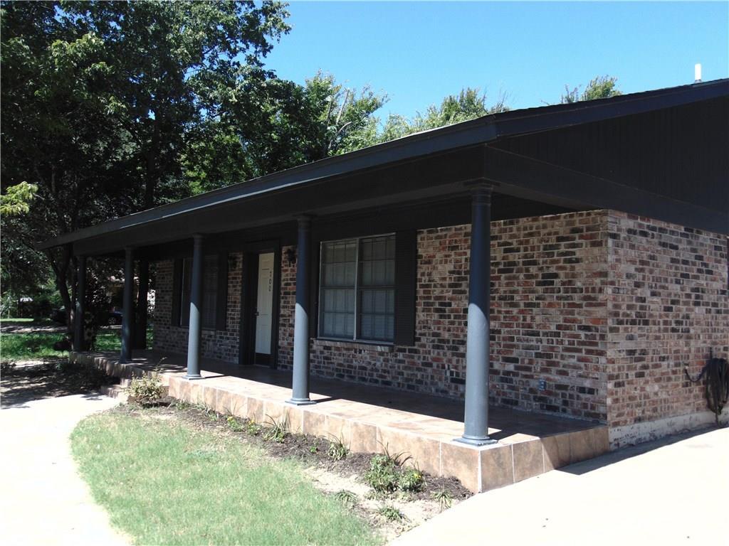 700 SW Barnard Street, Glen Rose, TX 76043