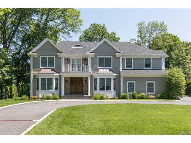 30 Carriage House Lane, Mamaroneck, NY 10543