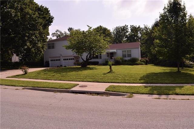 7649 MACKEY Street, Overland Park, KS 66204