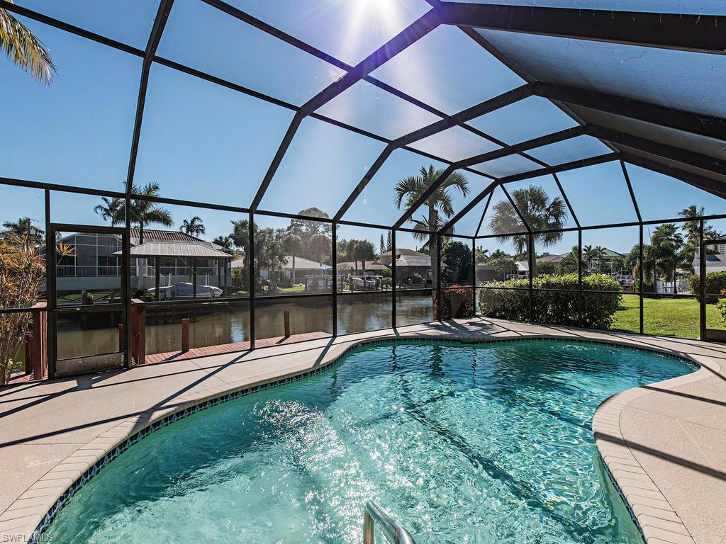 482 Tradewinds AVE, NAPLES, FL 34108