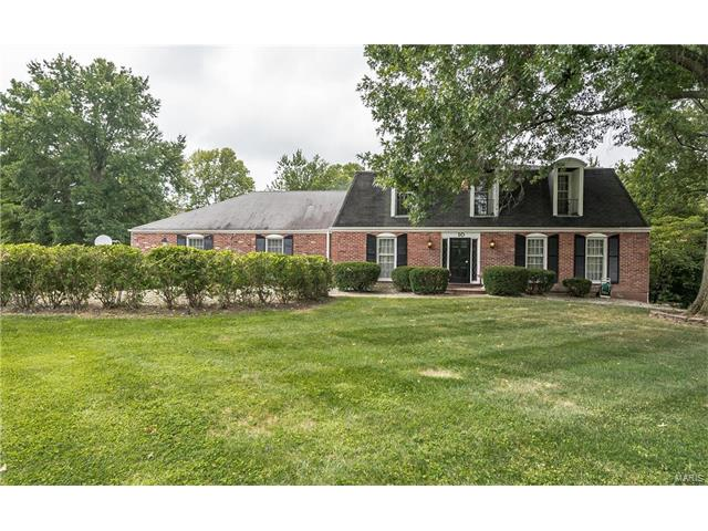 10 Conway Springs Drive, Chesterfield, MO 63017