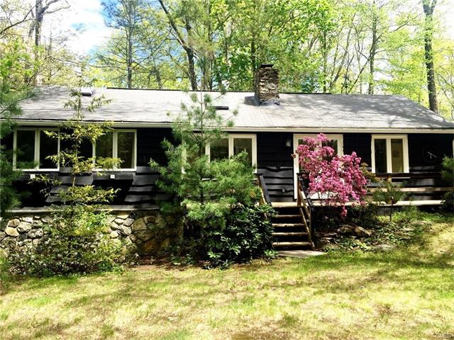 2 High Trail CI Road, New Fairfield, CT 06812