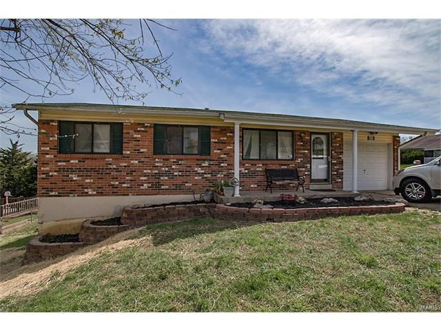 2225 Country Wood, Imperial, MO 63052