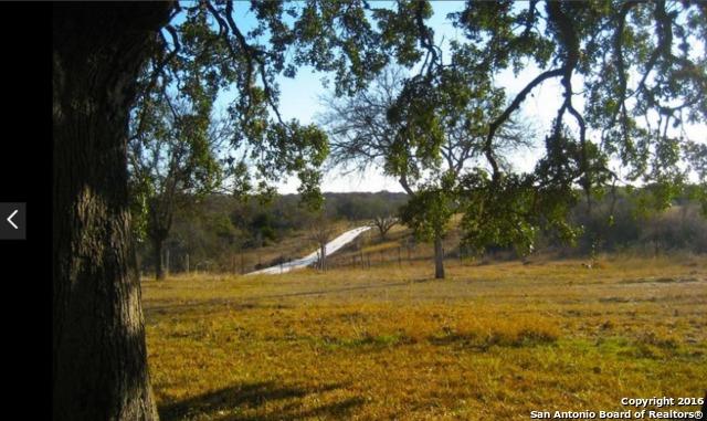 325 Private Road 3660, Hondo, TX 78861