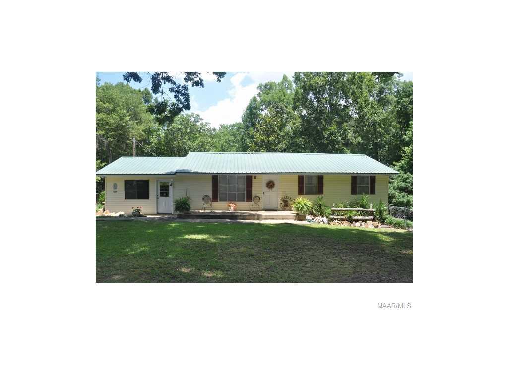 208 JOHN SMITH Drive, Deatsville, AL 36022