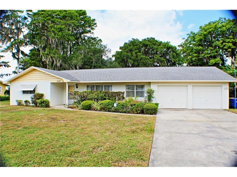 1609 ORANGE AVENUE, TAVARES, FL 32778