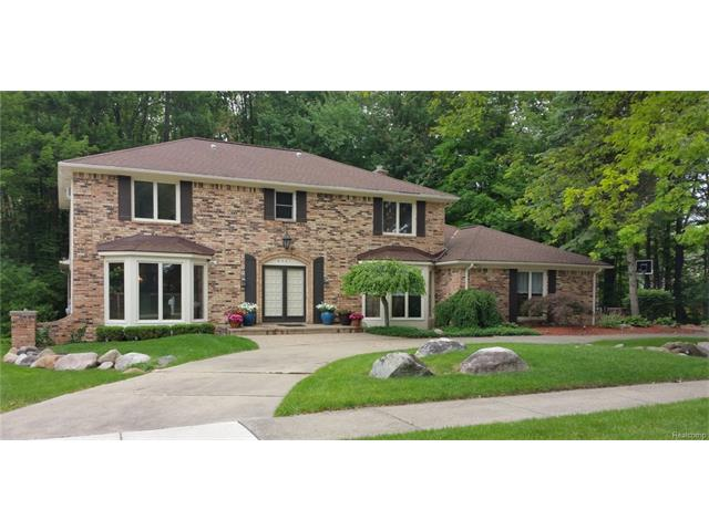 6537 Red Oak Drive, Troy, MI 48098