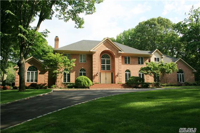 1241 Moores Hill Rd, Laurel Hollow, NY 11791