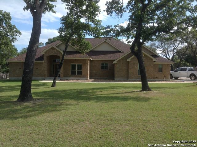 136 Copper Ridge Dr, La Vernia, TX 78121