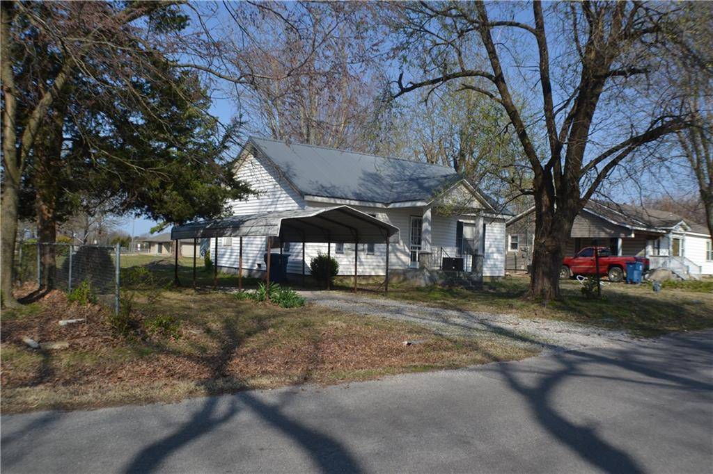 313 S Little AVE, Gentry, AR 72734