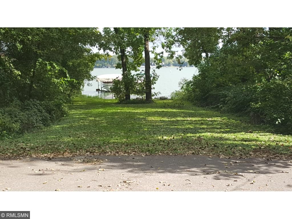 4724 Beachside Road, Mound, MN 55364