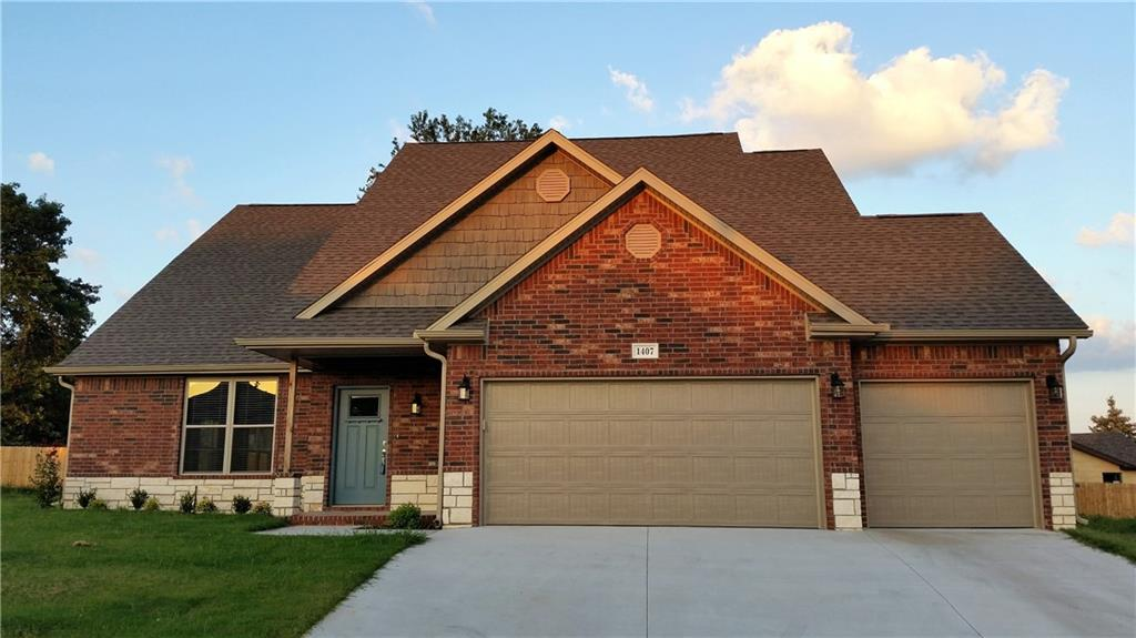 1407 S 13th PL, Rogers, AR 72758