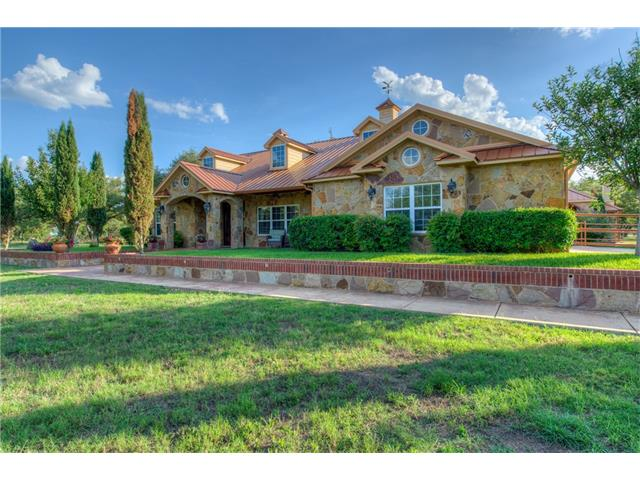 450 Amber Oaks, Burnet, TX 78611