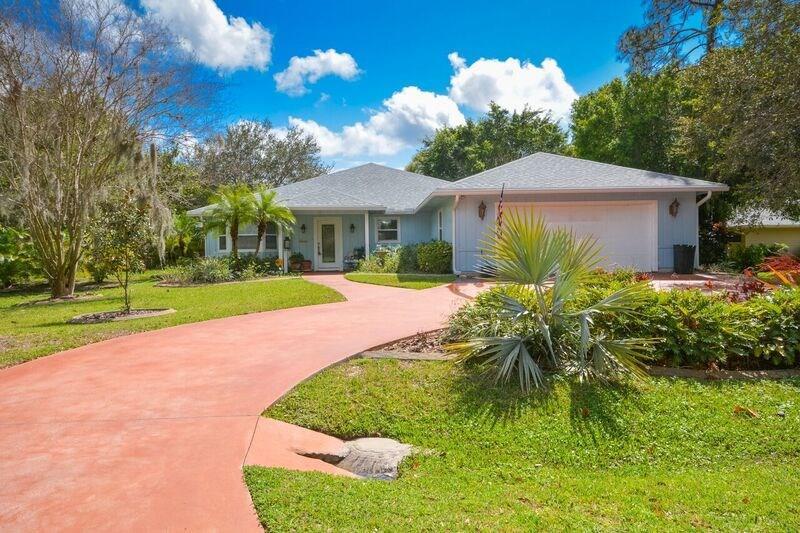 1080 SE Buttonwood Circle N, Stuart, FL 34997