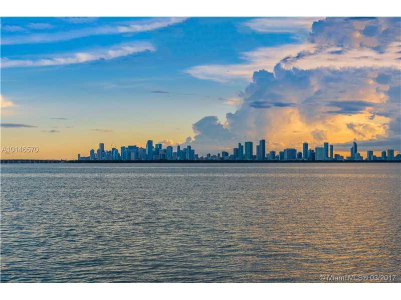 5718 N Bay Rd, Miami Beach, FL 33140