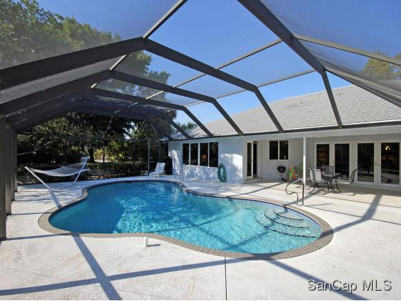 755 Pen Shell Dr, Sanibel, FL 33957