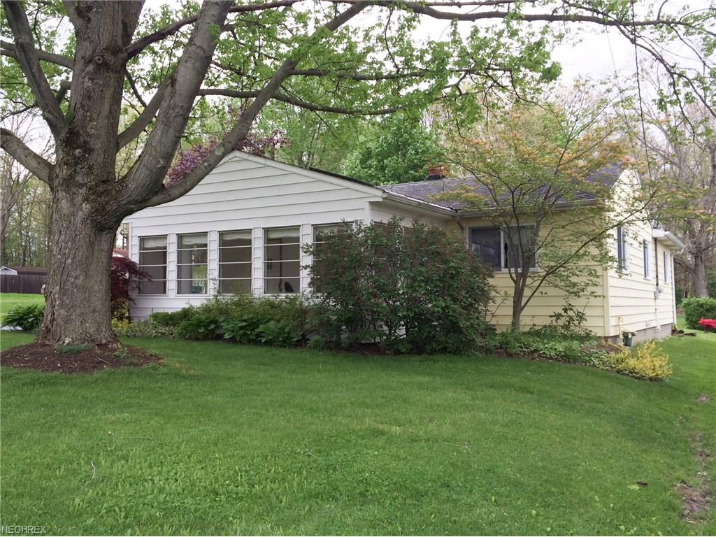 3184 Roselawn Dr, Weathersfield, OH 44446
