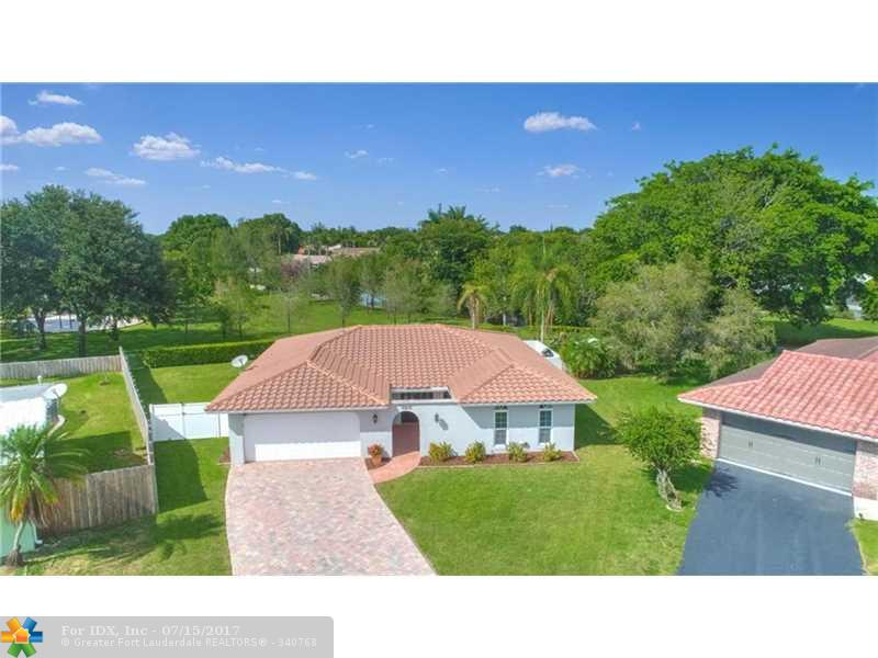10835 NW 37th Ct, Coral Springs, FL 33065