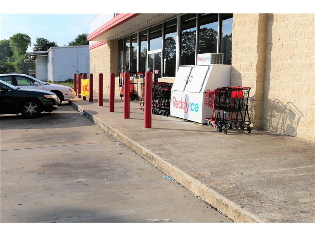 701 E Main Highway, Madisonville, TX 77864