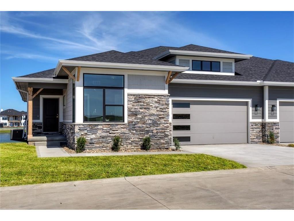 817 NE Lakeview Drive, Grimes, IA 50111