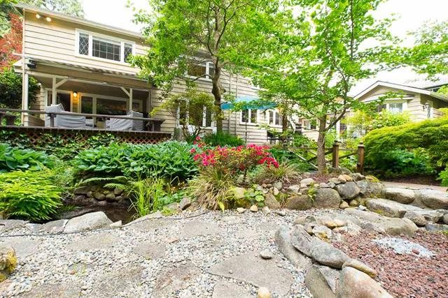 1388 TERRACE AVENUE, North Vancouver, BC V7R 1B4