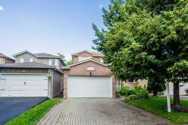 1627 Marshcourt Dr, Pickering, ON L1V 6G8