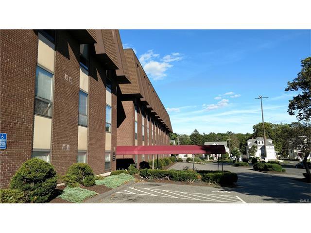 57 North Street 403, Danbury, CT 06810