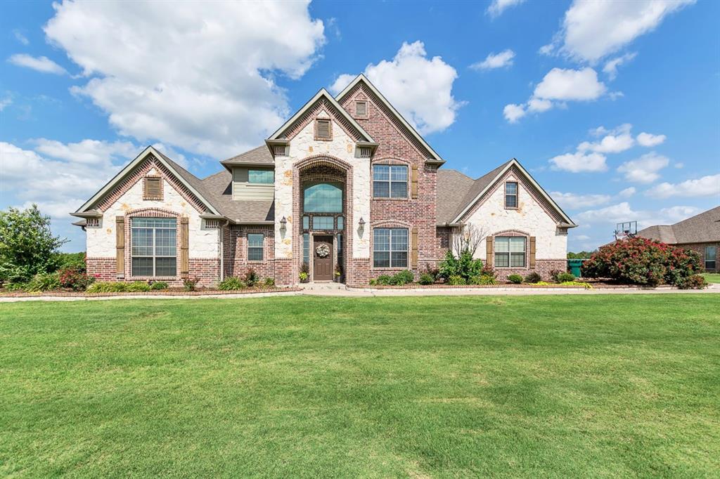 156 Buckskin Drive, Van Alstyne, TX 75495