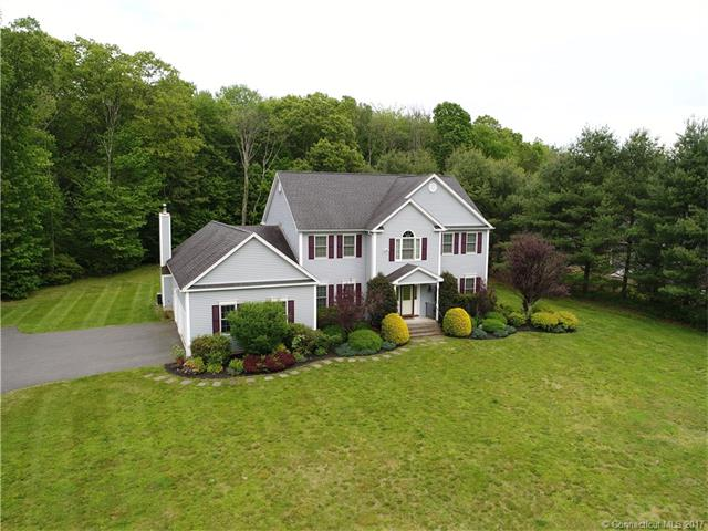 10 Tall Pines Dr, Oxford, CT 06478
