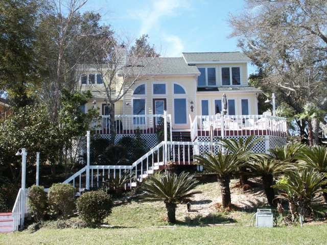 2113 Club House Drive, Lillian, AL 36549