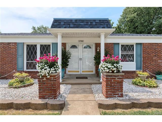 1796 Redcoat, Maryland Heights, MO 63043