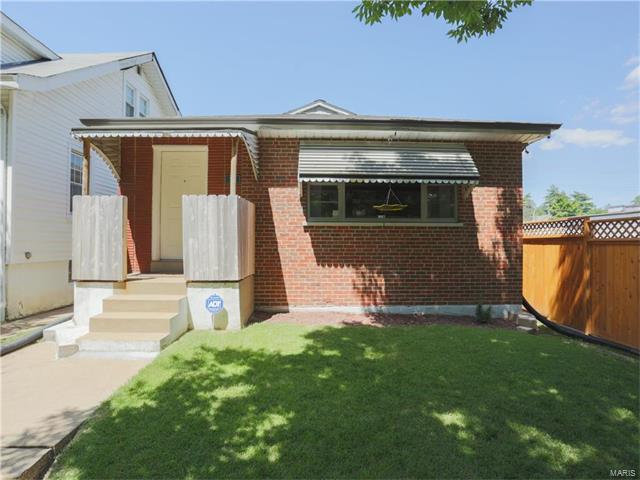 4055 Burgen Avenue, St Louis, MO 63116