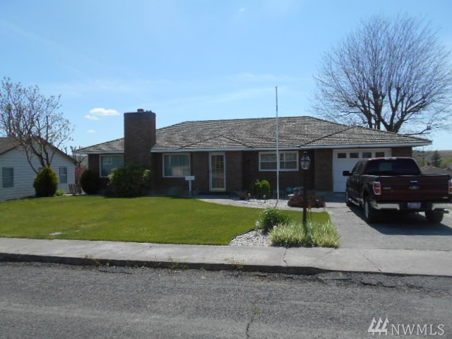 204 E 6th St, Lind, WA 99341
