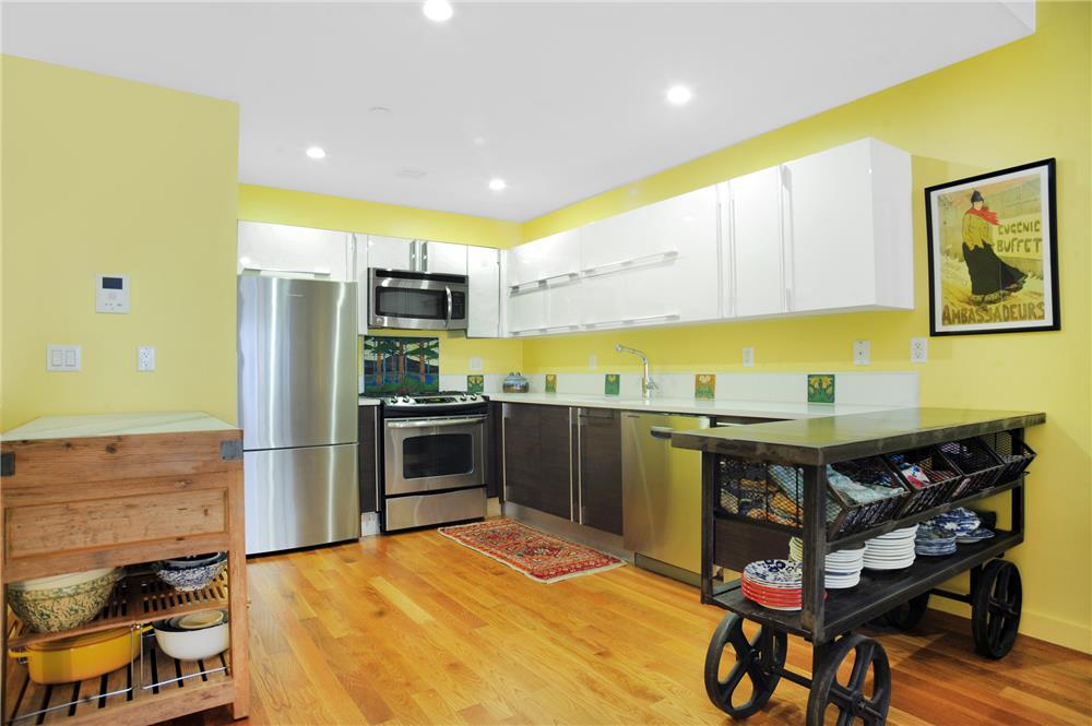 35-40 30th St 3-F, Queens, NY 11106