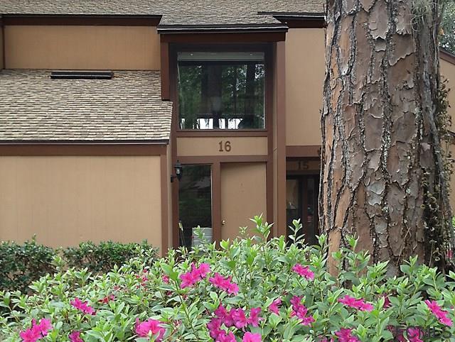 16 Masters Court, Palm Coast, FL 32137