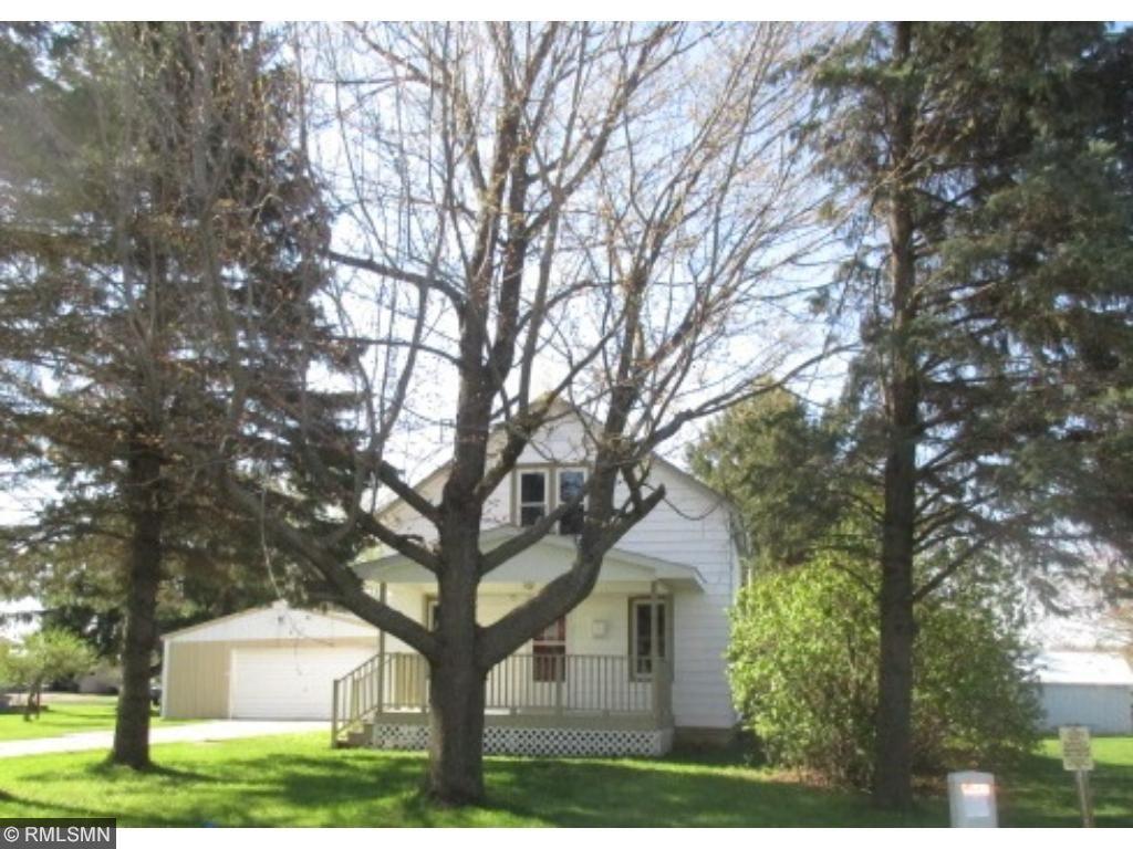 451 E Pleasant Avenue, Ellsworth, WI 54011