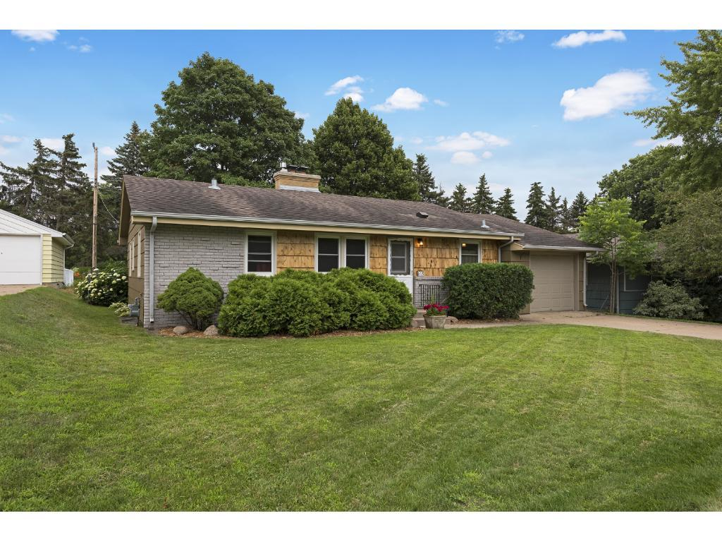 613 Park Valley Drive E, Hopkins, MN 55343